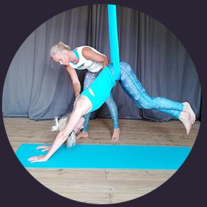 ÜberGlücklich - Ausbildungen Aerial Yoga