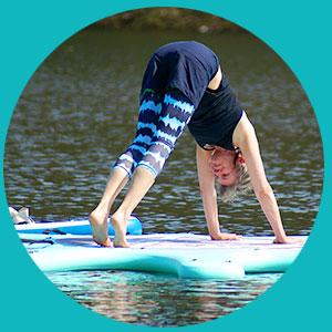 ÜberGlücklich Solingen SUP Yoga auf dem Wasser